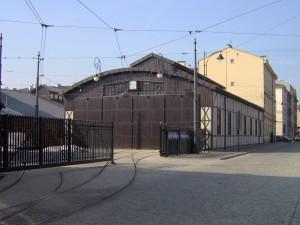 Hala tramwaju normalnotorowego, tzw. II wozownia, ul. Św Wawrzyńca, 1912 r. Fot Wikipedia