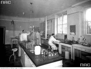 Laboratorium szpitala Bonifratrów 1937